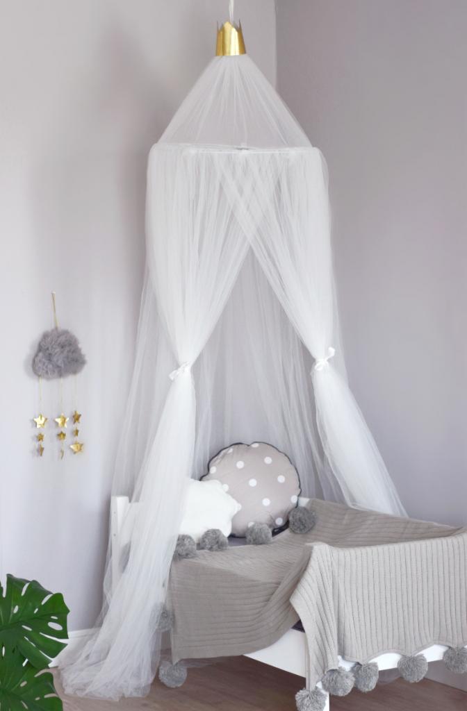 Балдахин для детской кроватки из Фатина Белый