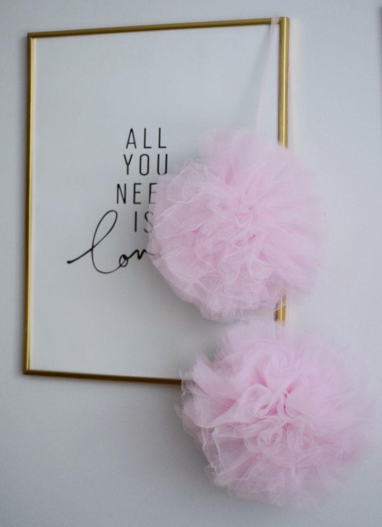помпоны большие розовые